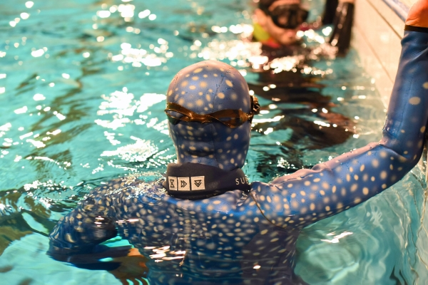 Beginners Guide to Freediving - weighting yourself correctly for freediving - Neck Weightbelt