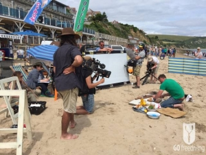 Jimmy Doherty cooking on Swabage beach for Spearfishing on Jamie and Jimmy's Friday night feast wide version