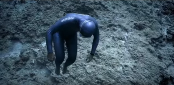 Go Freediving - OCEAN GRAVITY Guillaume Néry Julie Gautier YouTube