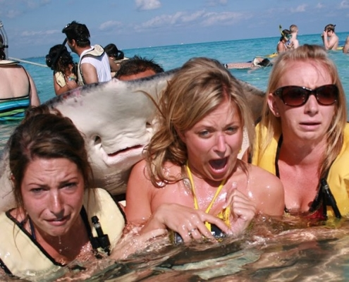 Go Freediving - underwater photobomb- three girls