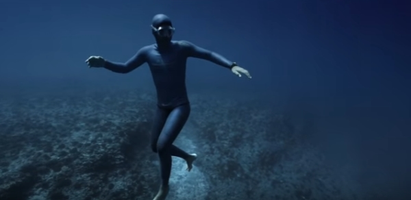 Go Freediving OCEAN GRAVITY Guillaume Néry Julie Gautier 1min38