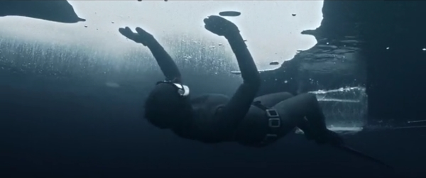 Go Freediving film Johanna Under The Ice image 5