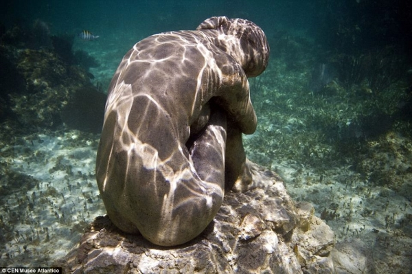 Go Freediving - 10 things you can do underwater - sculpture4 Lanzarote Atlantic Museum