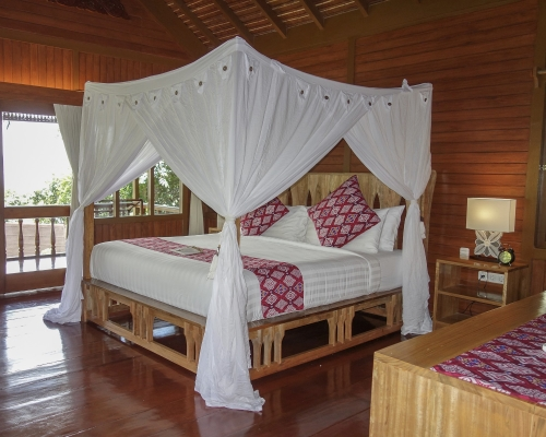 freediving holiday in Indonesia cottage+bed
