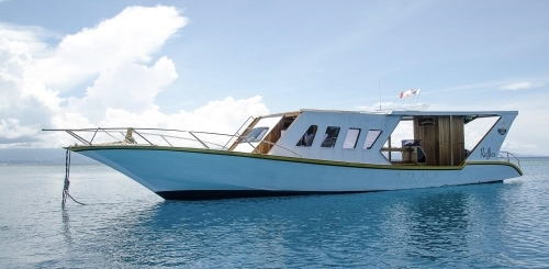 freediving holiday in indonesia boat