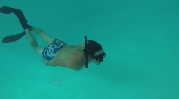 go freediving - what happens on a freediving course - pool session1