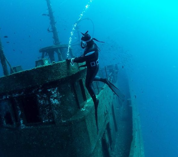 freediving in Tenerife - wrecks