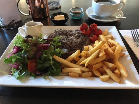 freediving diet - steak and chips