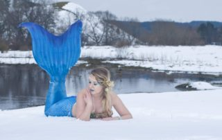 Mermaid Linda snow shoot