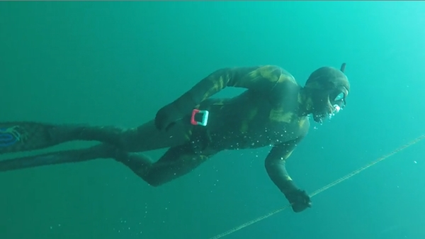 Go Freediving - learning to equalise on a freediving course - open water1