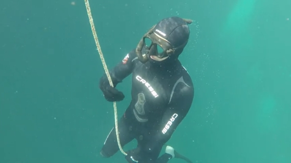 Go Freediving - learning to equalise on a freediving course - open water2